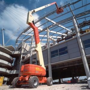 jlg-articulating-boom-lift-800-aj-3_1